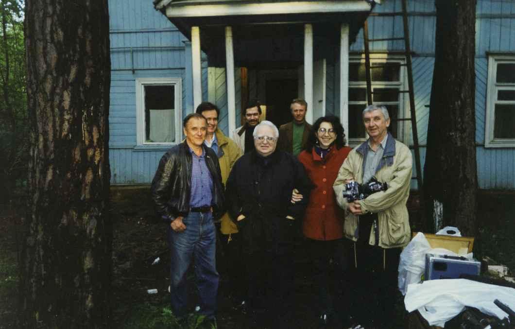 Экспонат #84. На даче драматурга Михаила Шатрова. 1998 год