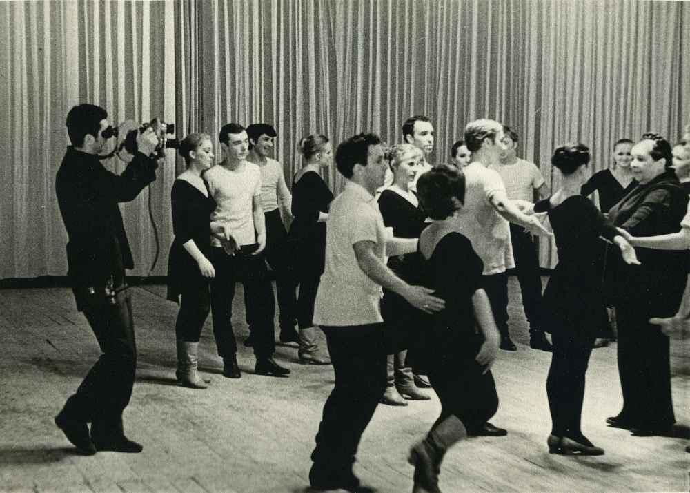 Экспонат #1. Ансамбль «Берёзка». 1962 год