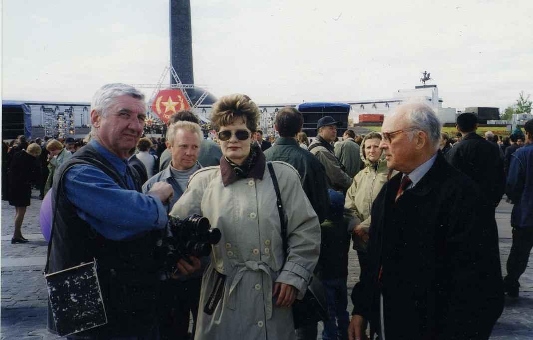 Экспонат #92. На съемках фильма «Русский украинец». Май 2001 года
