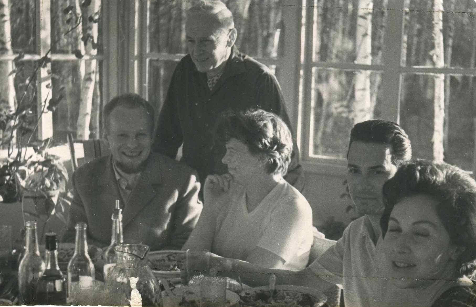Экспонат #41. На даче уРомана Карменав Красной Пахре. 1964 год