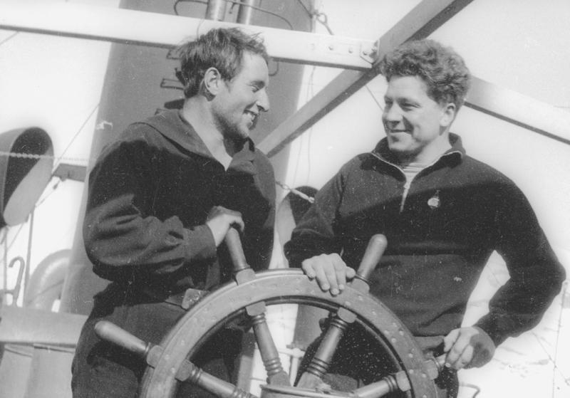 Экспонат #30. С летчиком Анатолием Ляпидевским. 1934 год