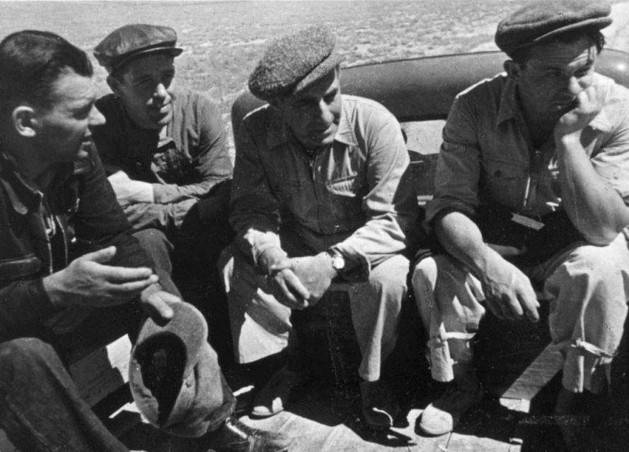 Экспонат #10. Съемочная группа фильма «Казахстан». 1939 год