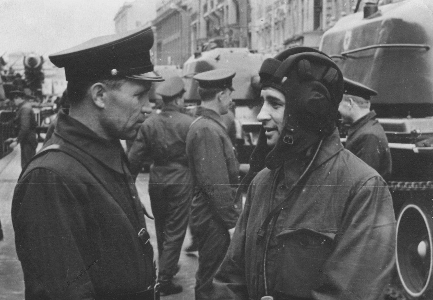 Экспонат #6. Во время подготовки репортажа с очередного военного парада. Начало 60-х годов
