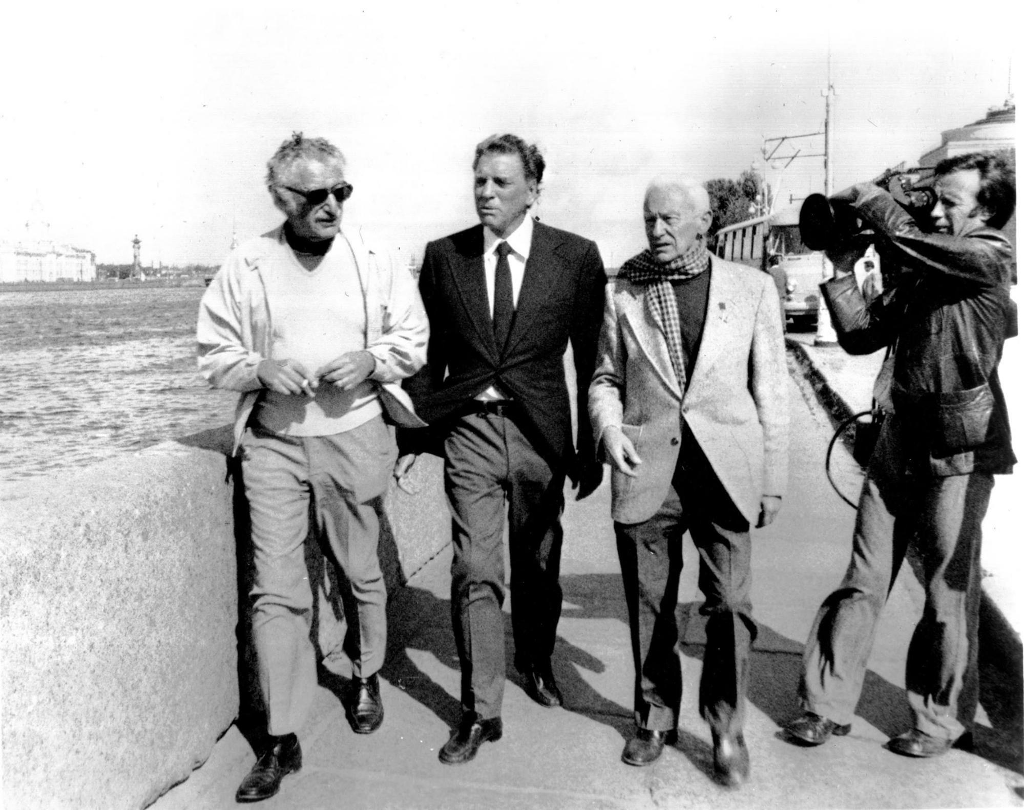 Isaac Kleinerman, Burt Lancaster and Roman Karmen with cameraman Yury Orlov