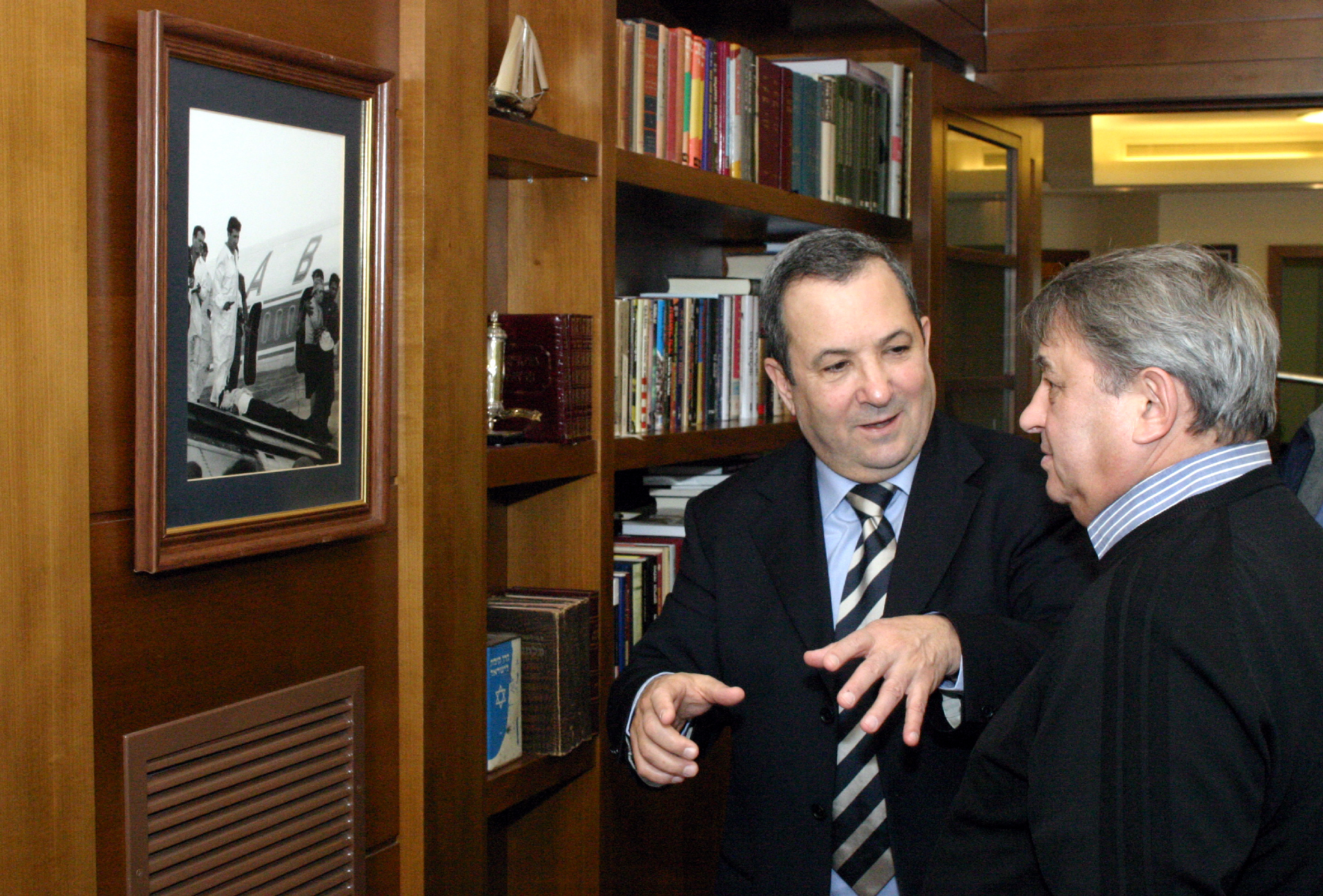 Экспонат #41. С Эхудом Бараком. Тель-Авив. 2004 год