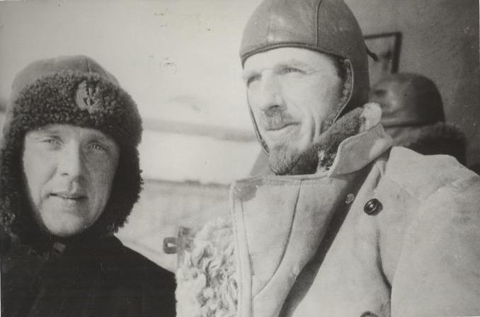 Экспонат #25. Бортмеханик Флегонт Бассейн и летчикФабио Фарих. 1934 год