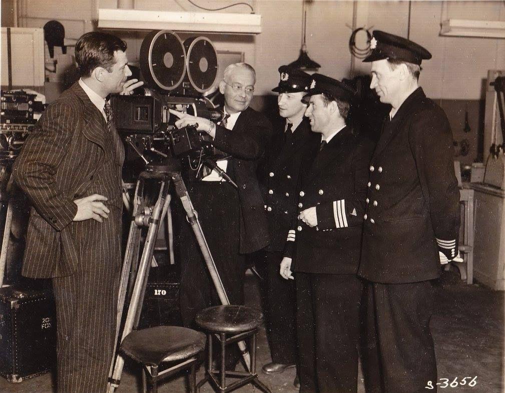 Экспонат #65. Советские кинооператоры на киностудии«Metro-Goldwyn-Mayer».1943 год