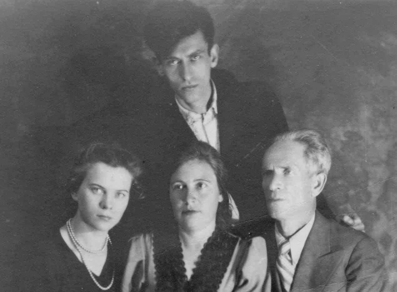 Экспонат #13. С мужем Семёном Тумановым. 1946 год