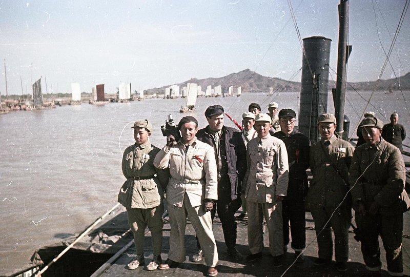 Экспонат #96. С режиссером Леонидом Варламовым. Китай. 1950 год
