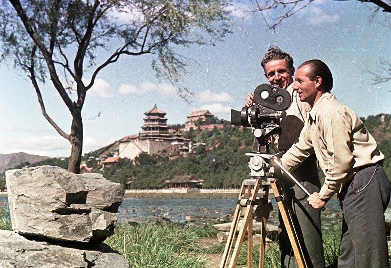 Экспонат #94. С кинооператором Анатолием Крыловым. 1950 год