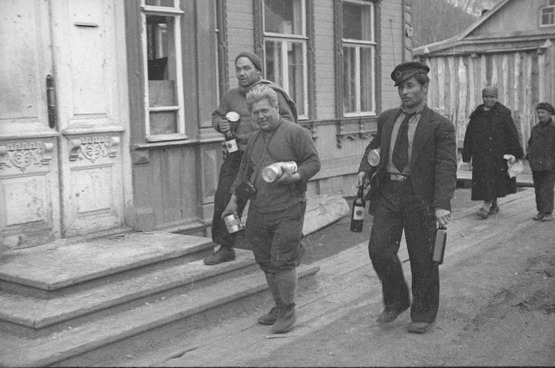 Экспонат #29. Киногруппа на Камчатке. Май 1934 года