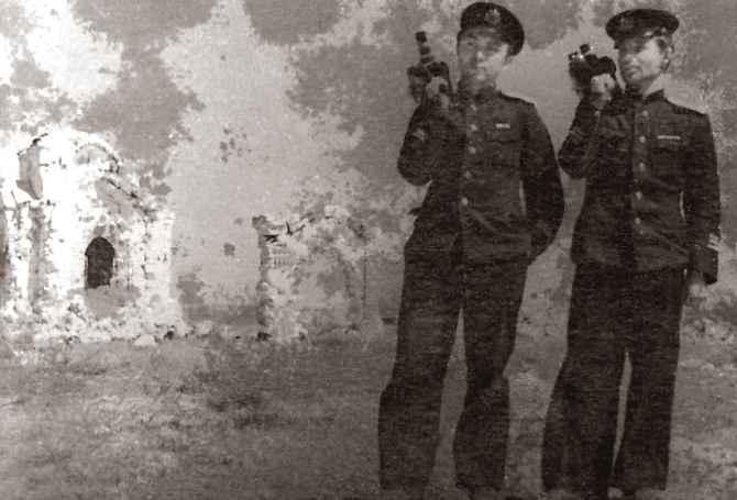 Экспонат #70. Владислав Микоша и Константин Ряшенцев. Севастополь. 1944 год