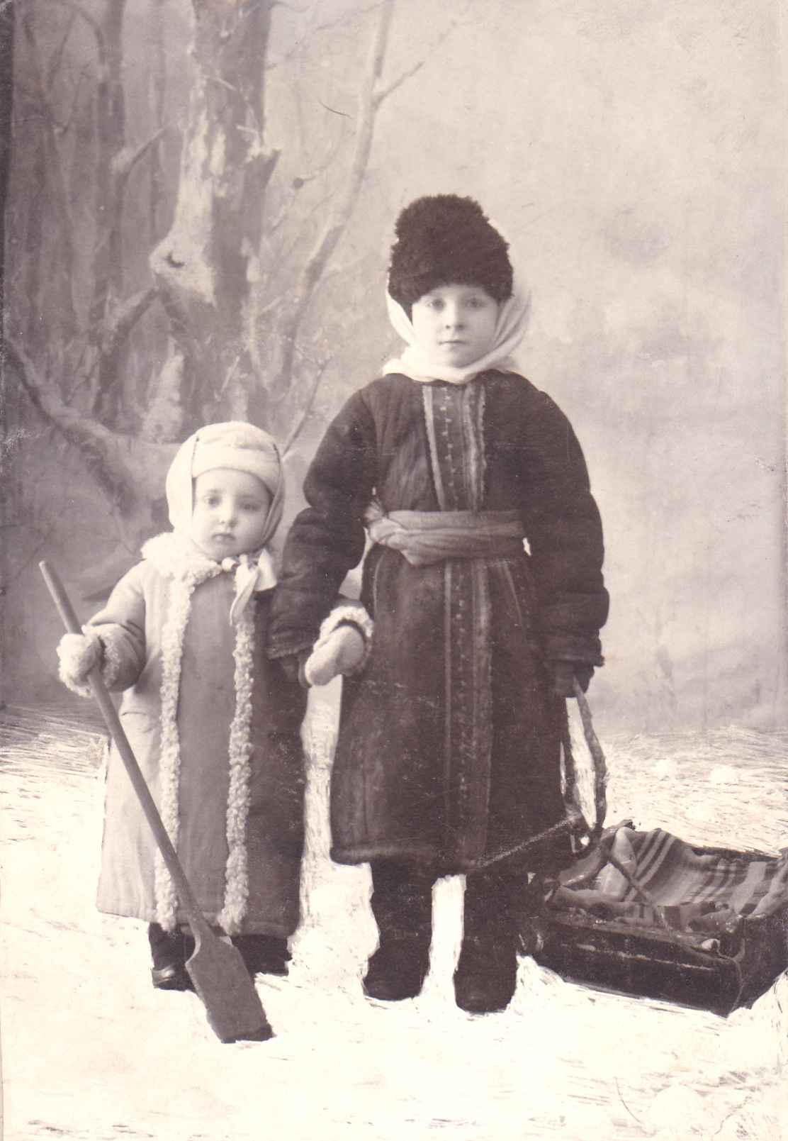 Экспонат #3. Братья Микоши — Владислав и Юлий. Саратов. 1911 год