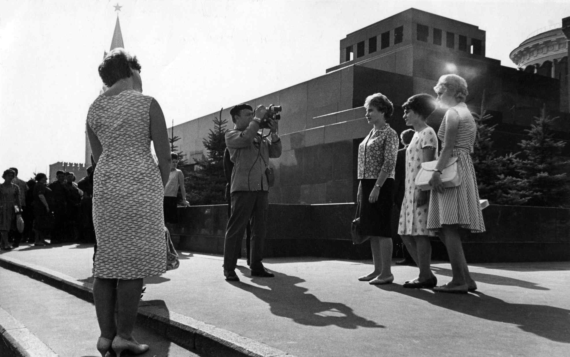 Экспонат #43. Снимает кинооператор Леонид Котляренко. 1964 год.