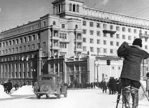 Экспонат #30. Док. фильм «Урал кует победу (1943)