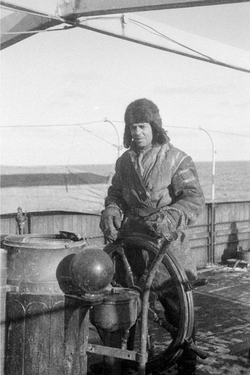Экспонат #57. Марк Трояновский — матрос на «Литке». 1933 год