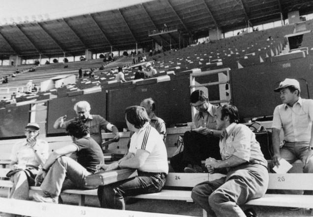 Экспонат #40. Съемочная группа ЦСДФ на стадионе в Лужниках. Олимпиада-80