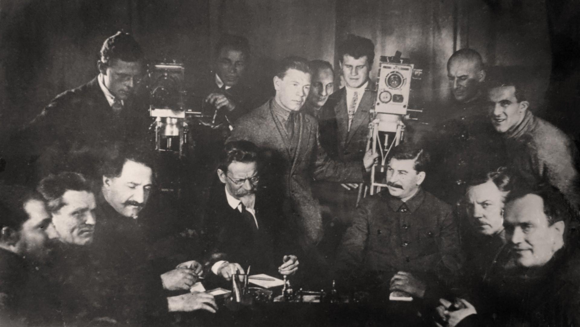 Экспонат #7. В день 50-летия Сталина. Кадр из кинохроники«Союзкино». 1929 год