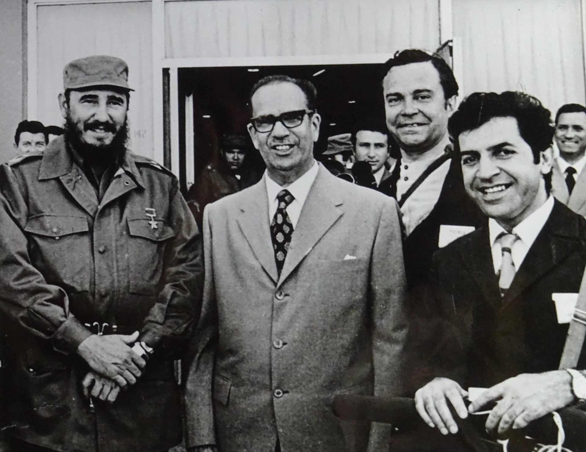 Экспонат #26. С Фиделем и Раулем Кастро. Весна 1963 года