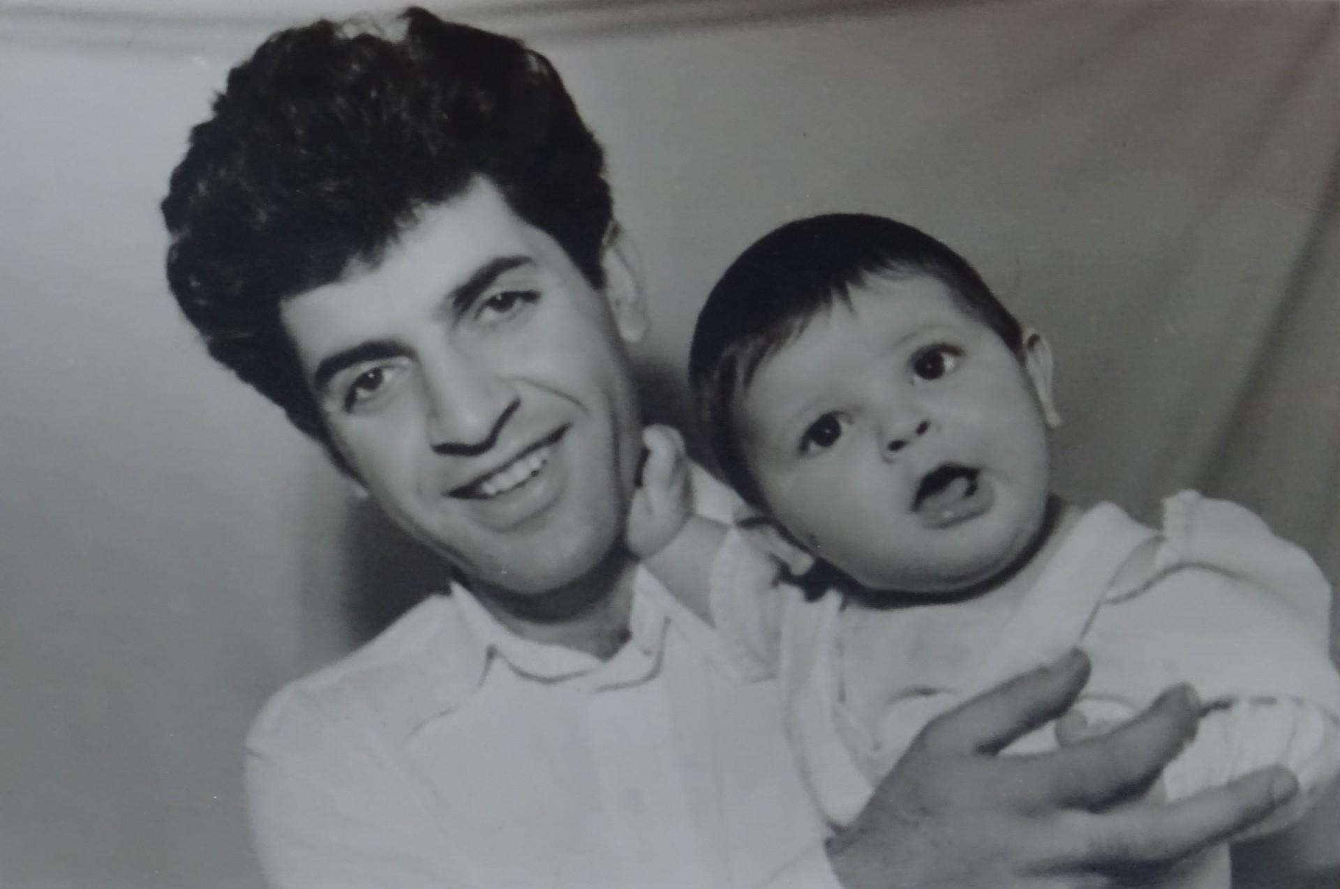 Экспонат #18. Юрий Николаевич с сыном Юрием. 1960 год