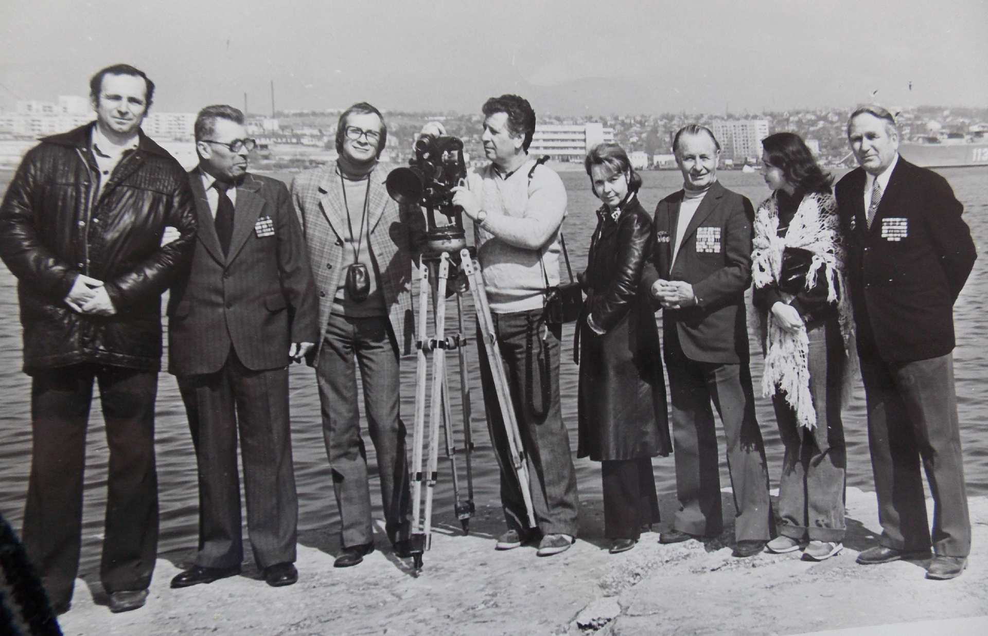 Экспонат #109. Съёмочная группа ЦТ в Севастополе. Графская пристань. 1982 год