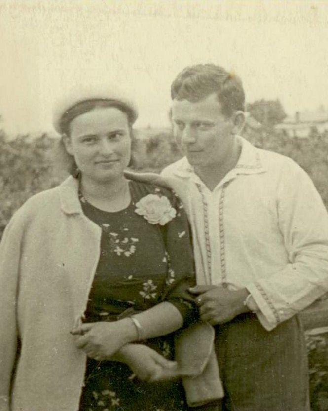 С женой Анной. Уссурийск. 1940 год