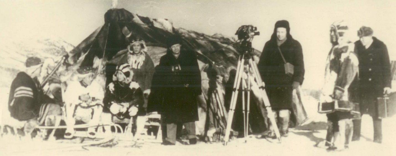 А. Борзунин и оператор Михаил Рыжев. Чукотка. 1959 год
