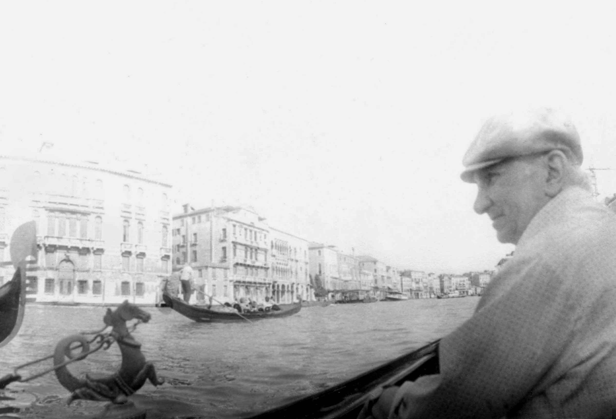 Экспонат #23. Во время прогулки по Венеции. 1980 год