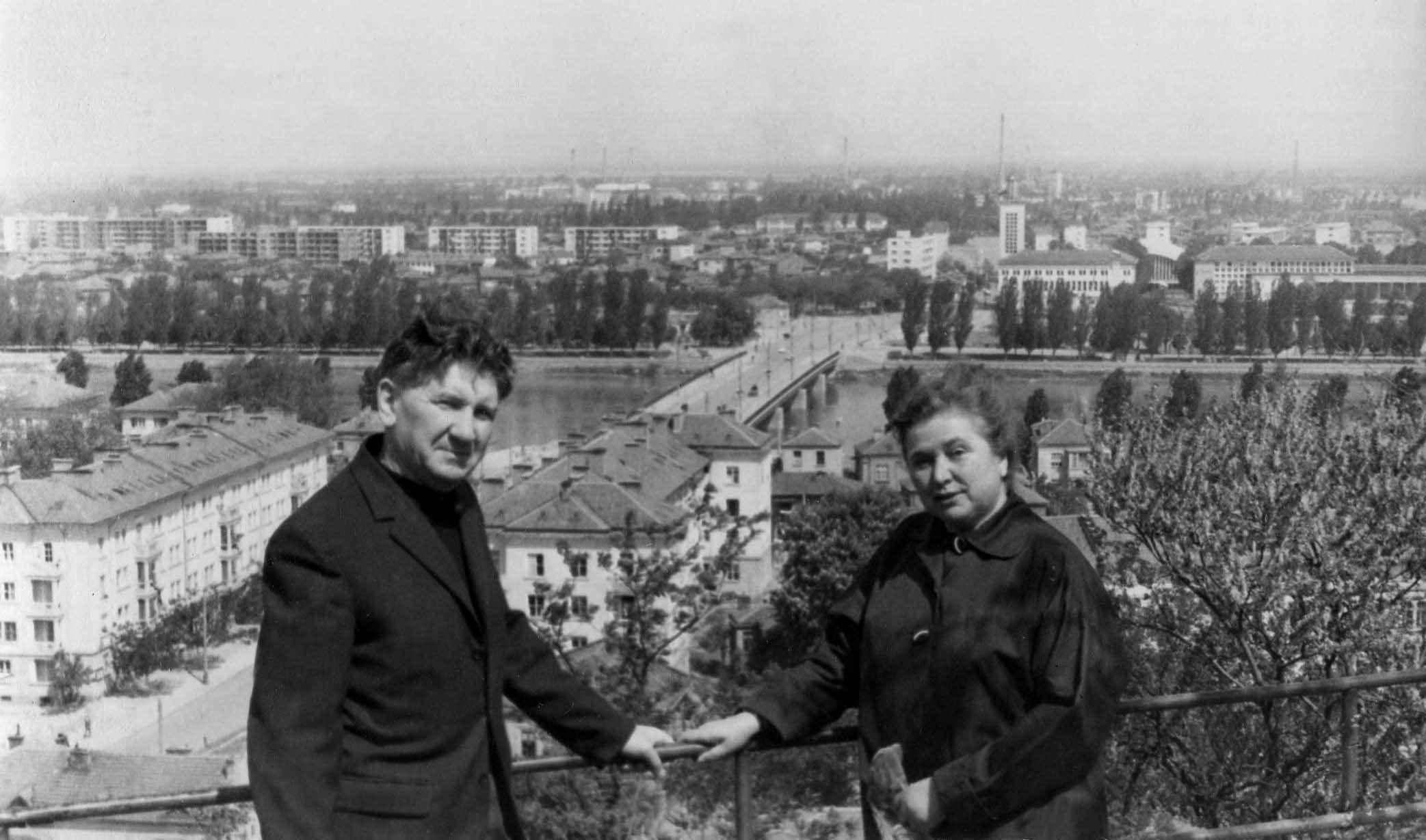 Экспонат #20. С женой Ниной Кудрявцевой в Болгарие. 1964 год