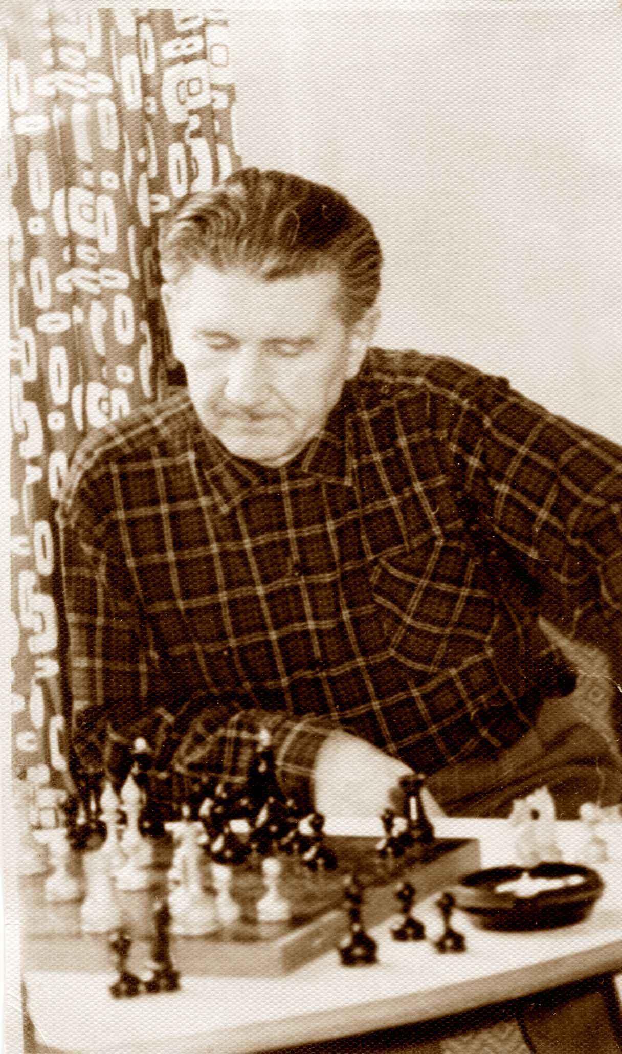 Экспонат #15. За шахматной доской в Дом творчества кинематографистов «Болшево». 1962 год