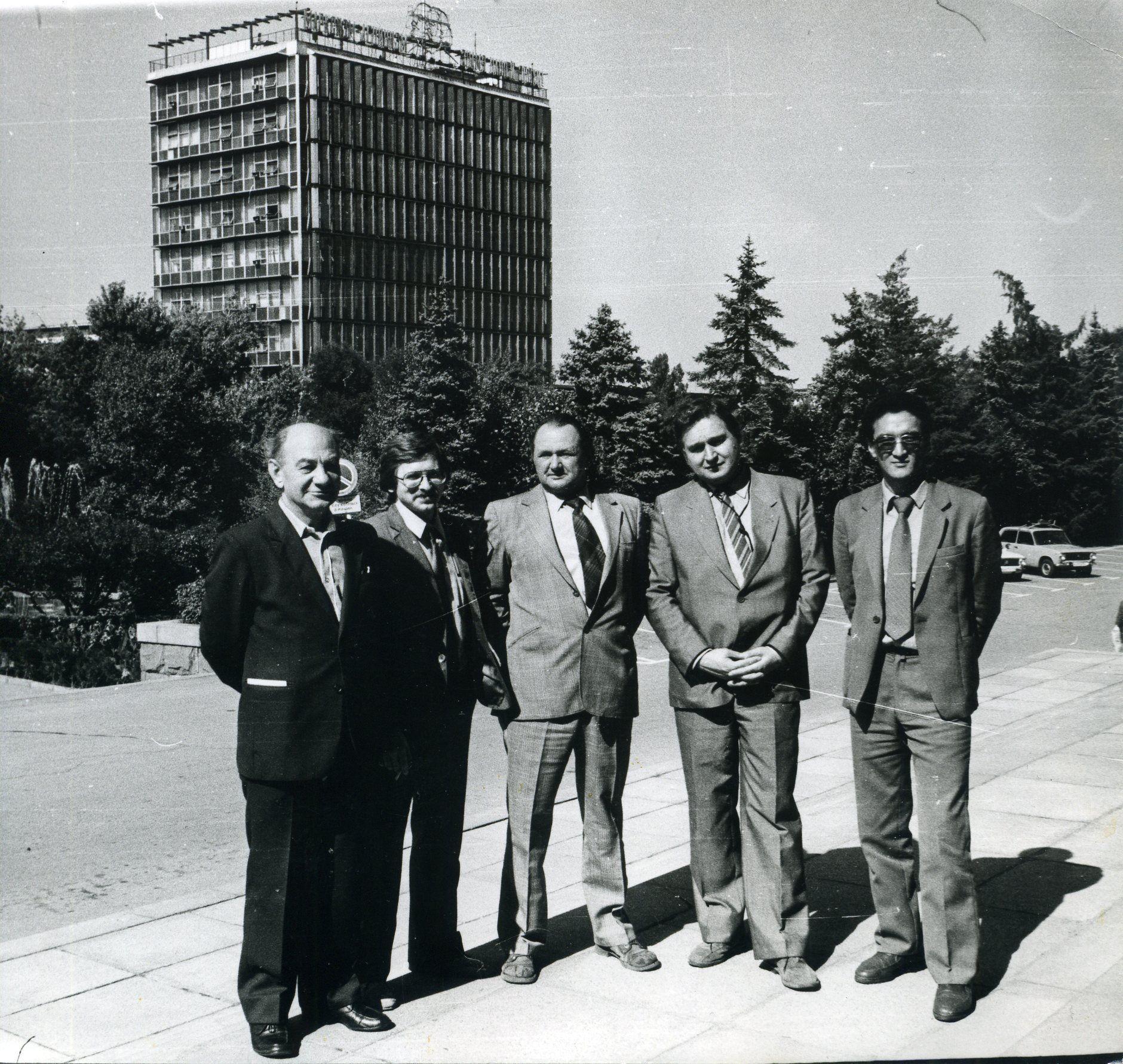С парламентской делегацией в одной из республик СССР