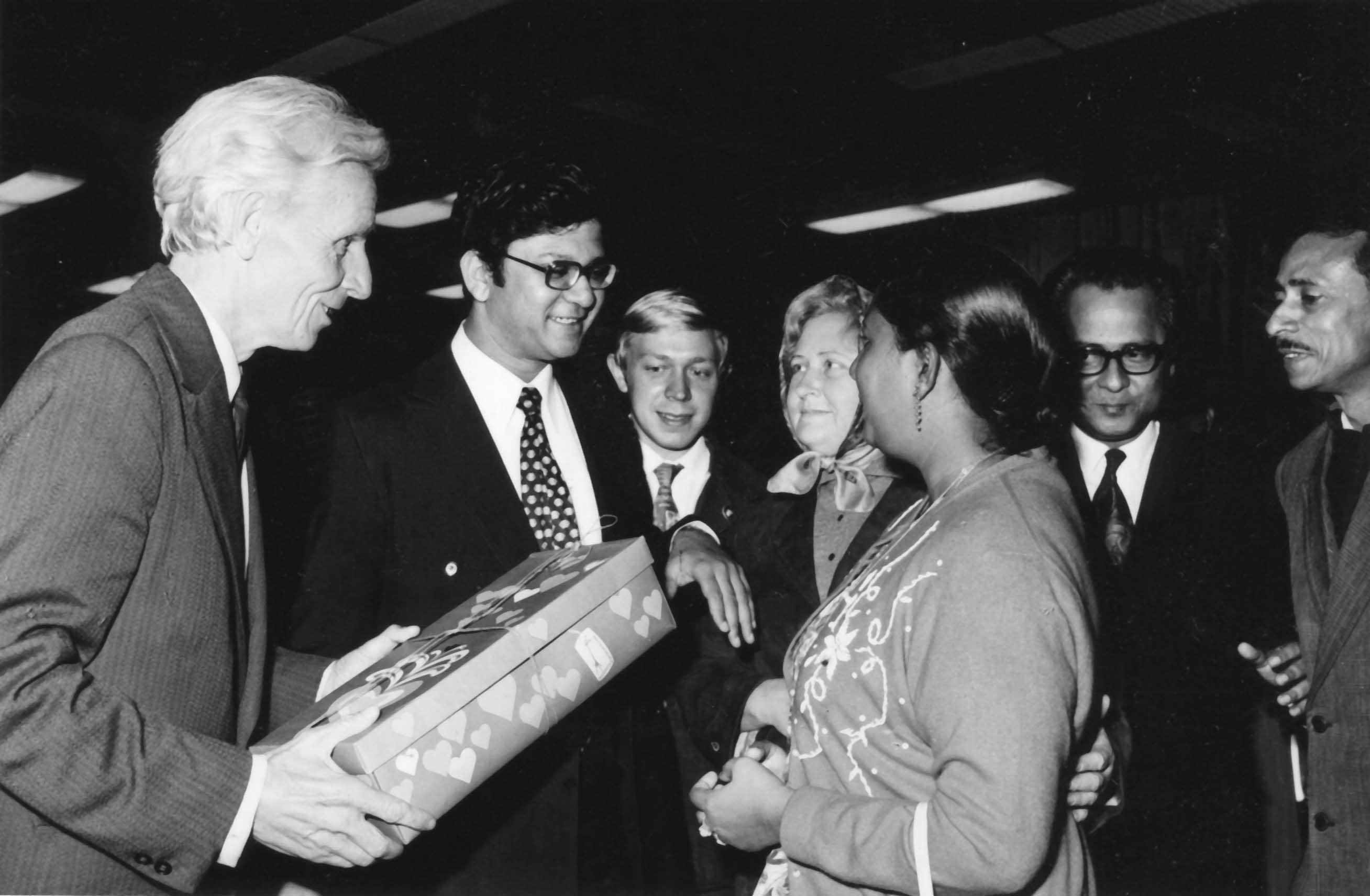 Экспонат #70. С индийской делегацией. 1980 год