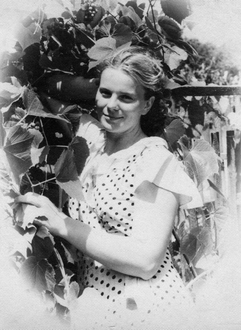 Экспонат #22. Выпускница ВГИКа Дина Мусатова. 1960 год