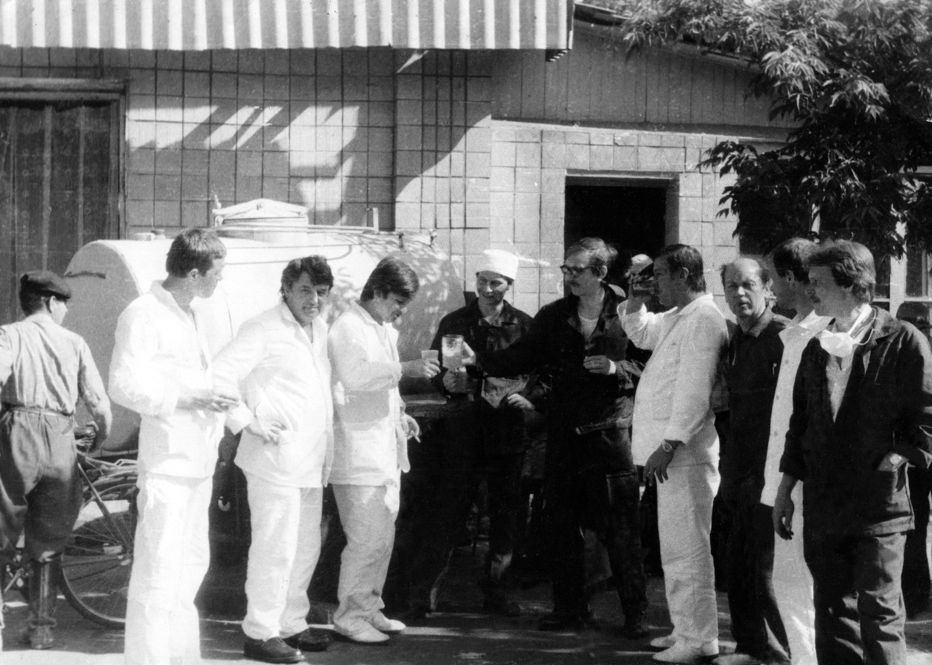 Экспонат #12. Съемочная группа в зоне ЧАЭС. Май 1986 года