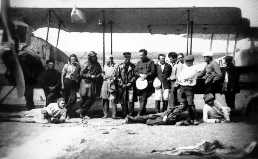 Экспонат #2. Съемочная группа фильма «Крылья» (1932)