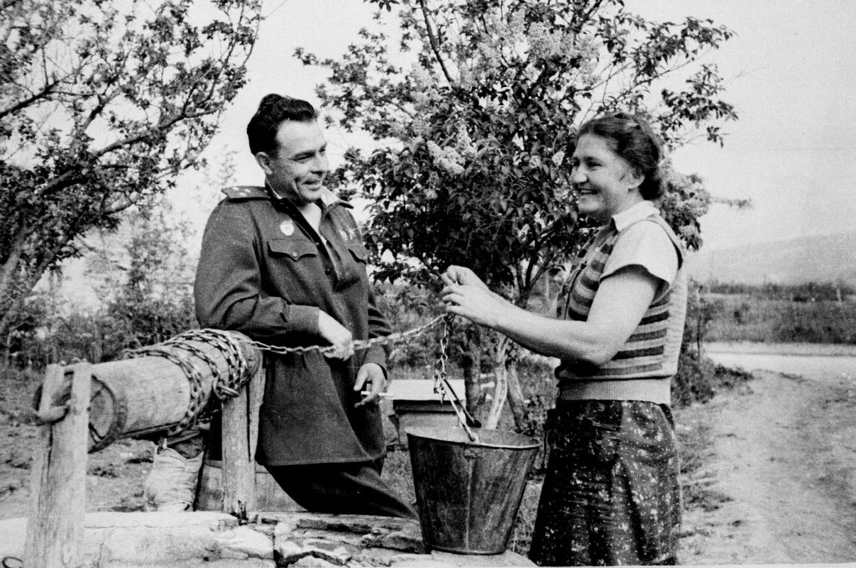 Экспонат #108. Полковник Л.И. Брежнев. Северо-Кавказский фронт. 1943 год