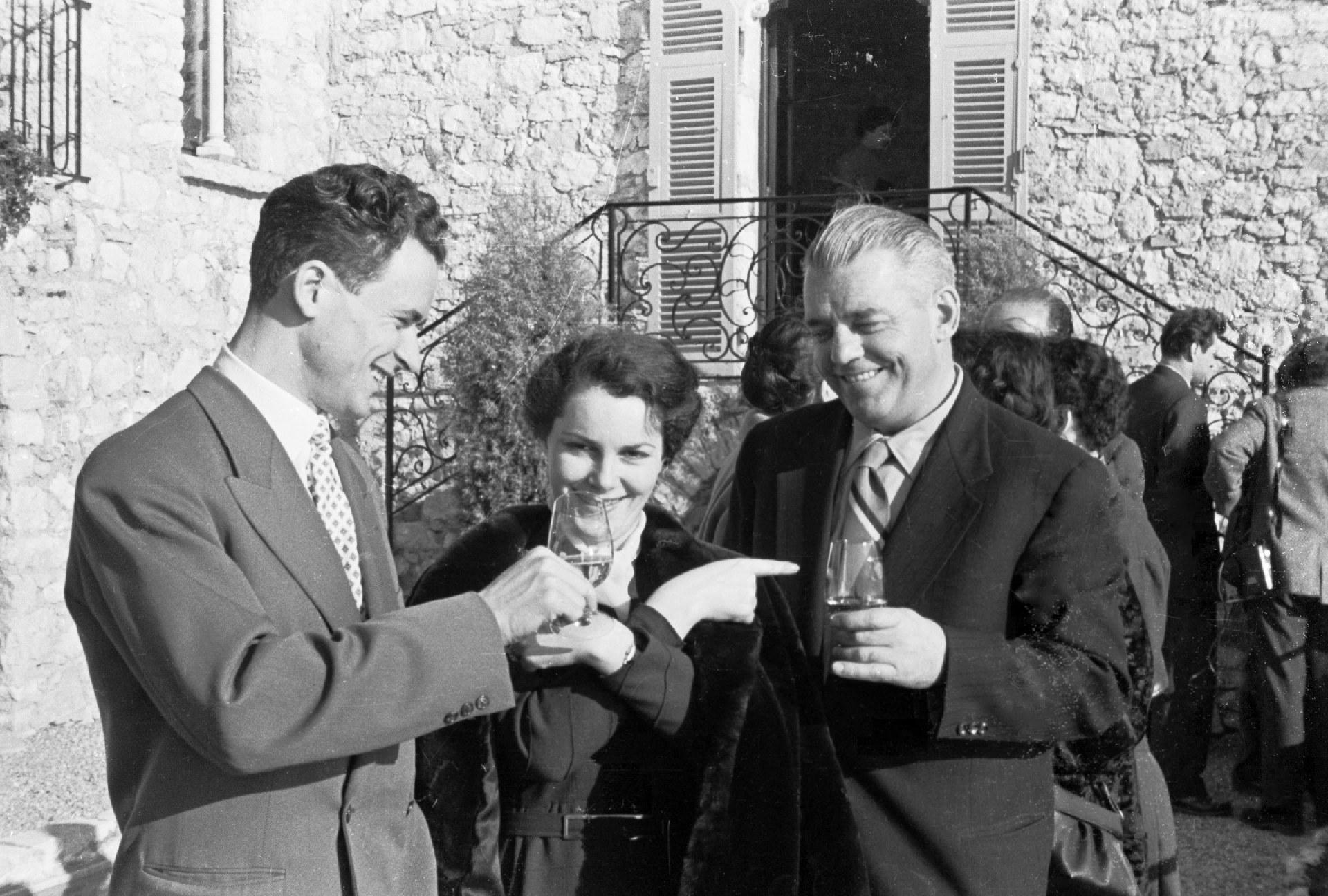 Экспонат #146. С Быстрицкой. Неделя советского кино во Франция. 1955 год