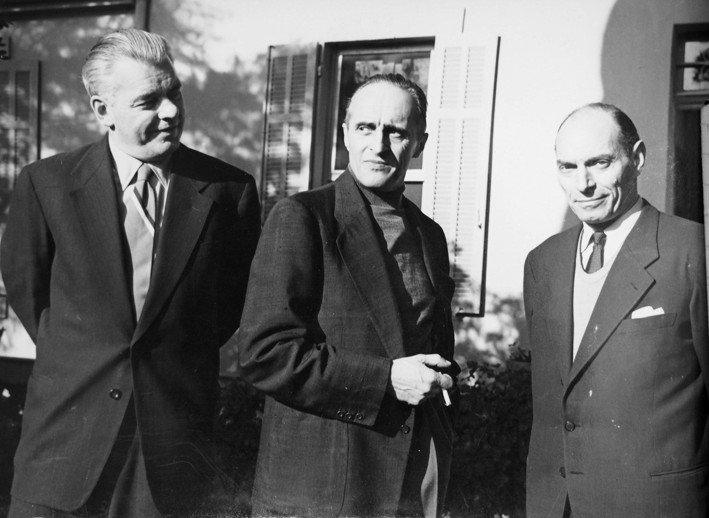 Экспонат #147. С Рене Клером и Юлием Райзманом. Франция. 1955 год