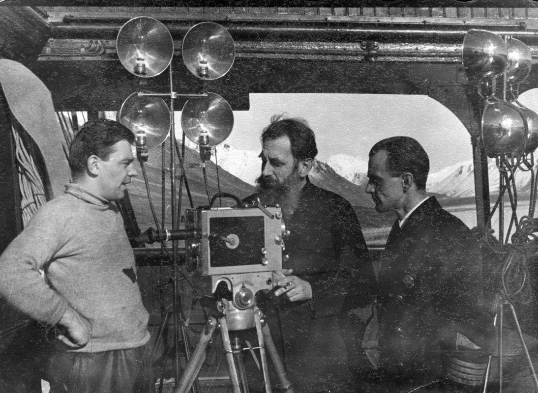 Экспонат #64. Марк Трояновский на «Литке». ЭОН-3. 1936 год