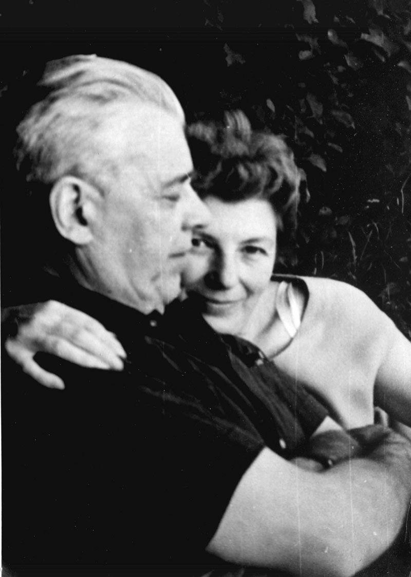 Экспонат #162. С женой Е.Д. Уваровой-Трояновской. Август 1967 года