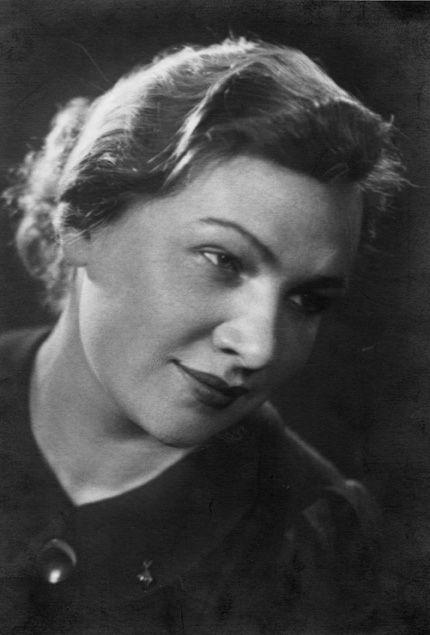 СУХОВА М.И. — кинооператор